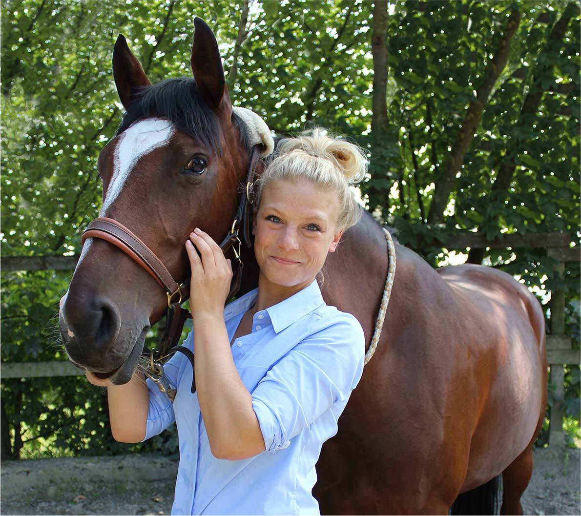 Leonie Seewald, Osteopathie für Pferde, Pferdeosteopathie Berlin/Brandenburg, Pferdeosteopathin